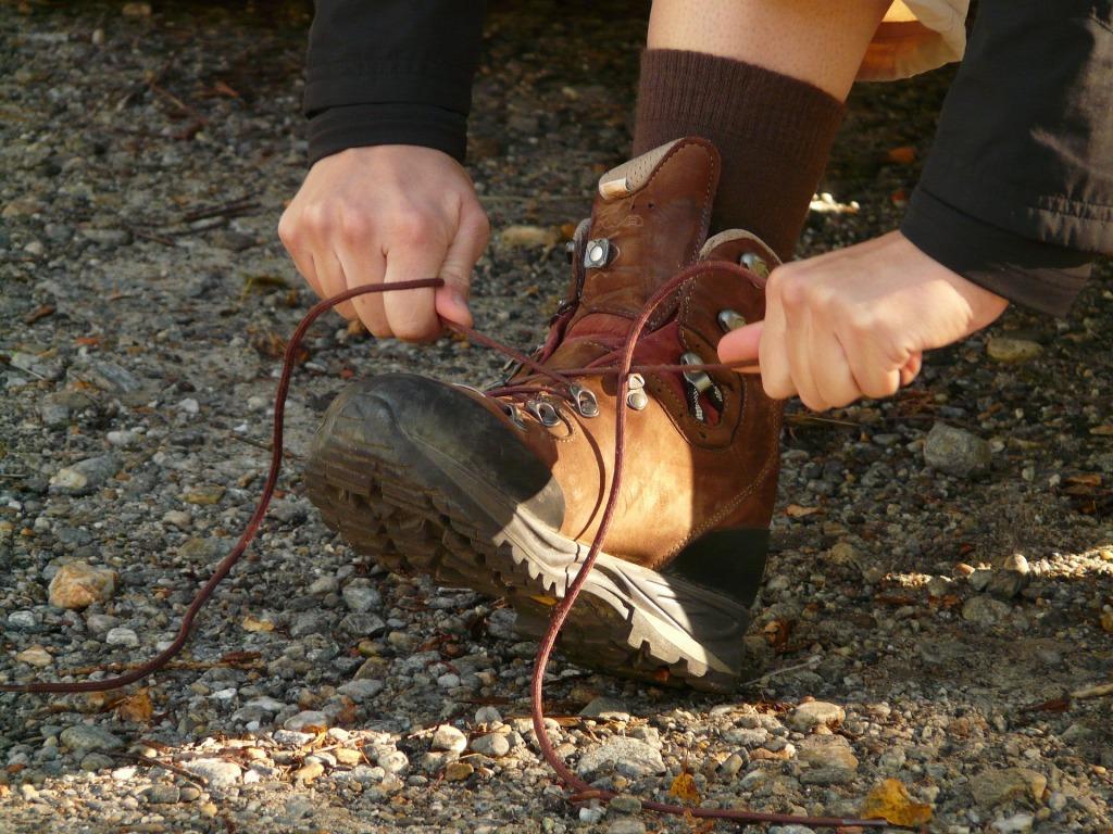 tie-shoes-3082_1920