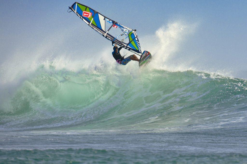 wind-surfing-2146418_1920